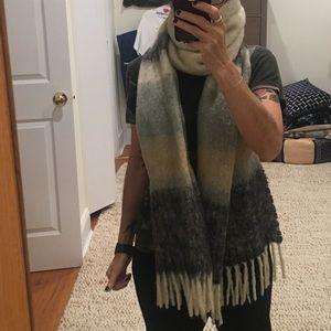 Super long cozy wool Jcrew scarf